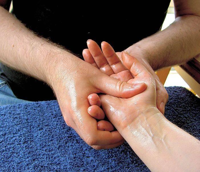 Las velas el aceite masaje te harán entrar en un estado relajación absoluta 9647