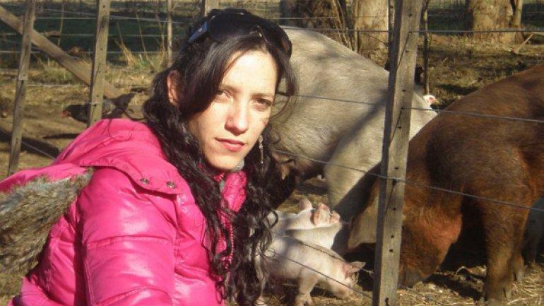 Mujere separada en Monte Chingolo 2190