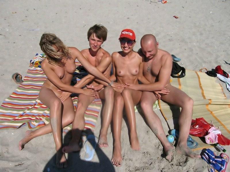 Me enseñes a tu mujer en topless en la playa o desnuda en playa nudista 3239