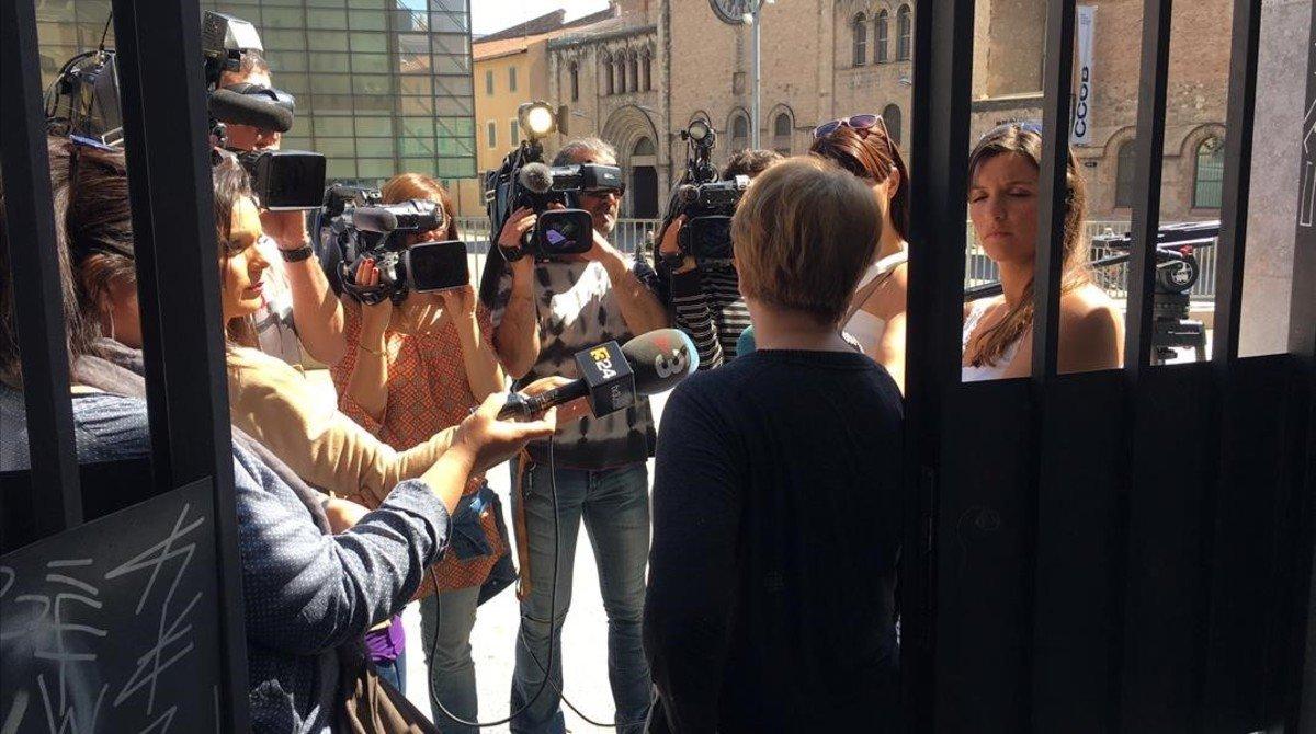 Mujeres lesbianas rumana en Presidencia 7015